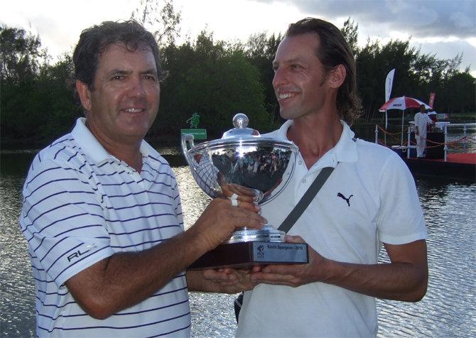 MCB Open Mauritius Sieger David Frost und sein Coach Christian Neumaier