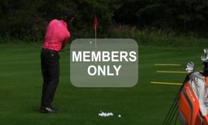 Ausgewählte Schläger - Golf - Chippen - Der ideale Treffmoment gezielt trainiert von Christian Neumaier